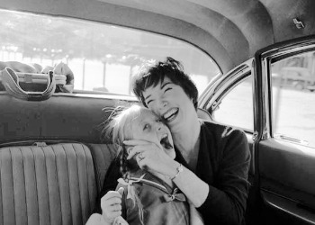 mother daughter in 60s Shirley MacLaine